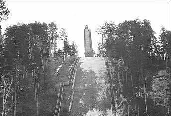 photo: http://www.skisprungschanzen-archiv.de/